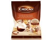 Pralinky z bílo-mléčné čokolády plněné lískooříškovým krémem 1kg